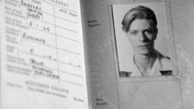 Vintage_passports_04-585x330