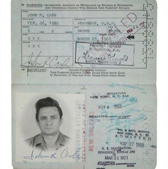 Vintage_passports_13