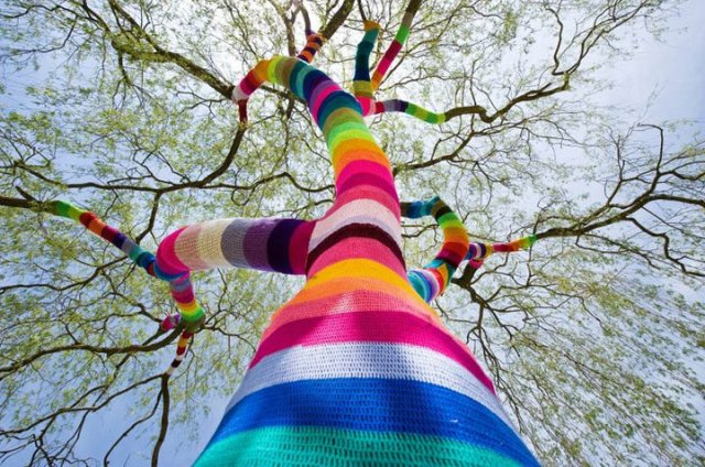 street_art_yarn_crochet_1-comments