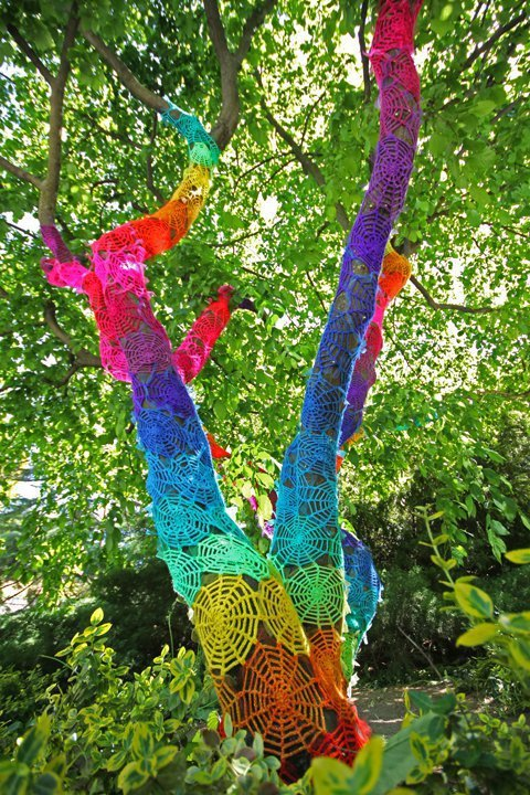 street_art_yarn_crochet_7
